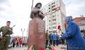 Памятник Герою Советского Союза Сенчихину П. Ф.