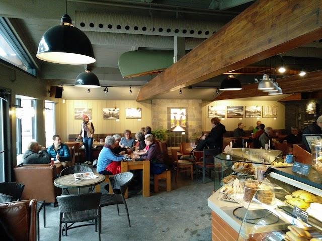 Good Earth Cafe & Bakery