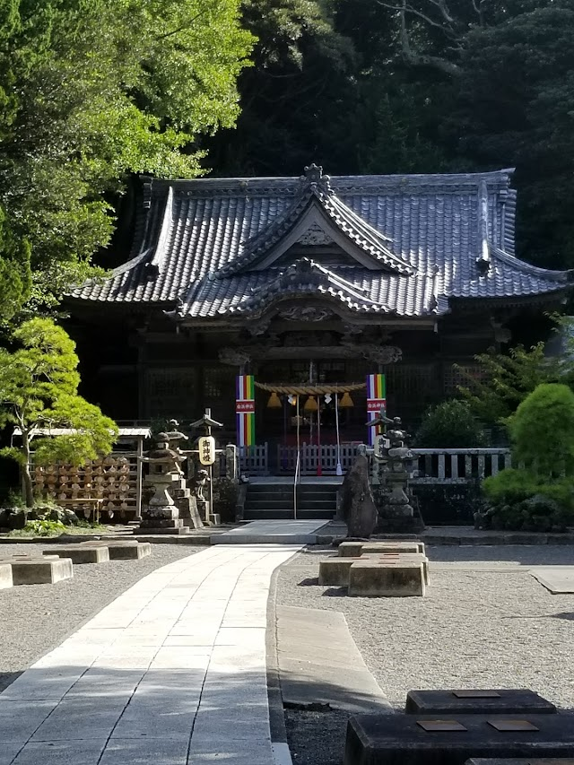 Shirahama Shrine