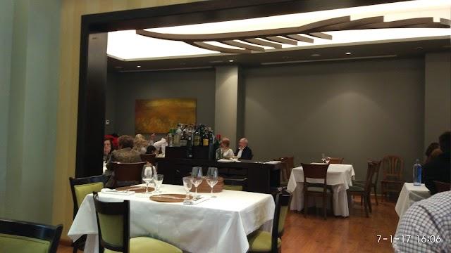 La Hoja 21 Restaurant