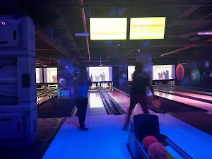 Cosmic Bowling 0