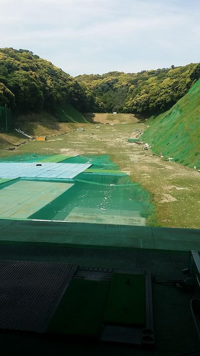 八幡山ゴルフ練習場