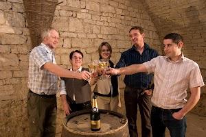 Champagne Pascal Walczak: Location Gîte et producteur, vente directe rosé millésime champagne médaillé Notre-Dame, viticulteur récoltant-manipulant, certification Terra Vitis HVE, Les-Riceys Aube 10