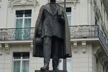 Statue d'Haussmann, Paris, France