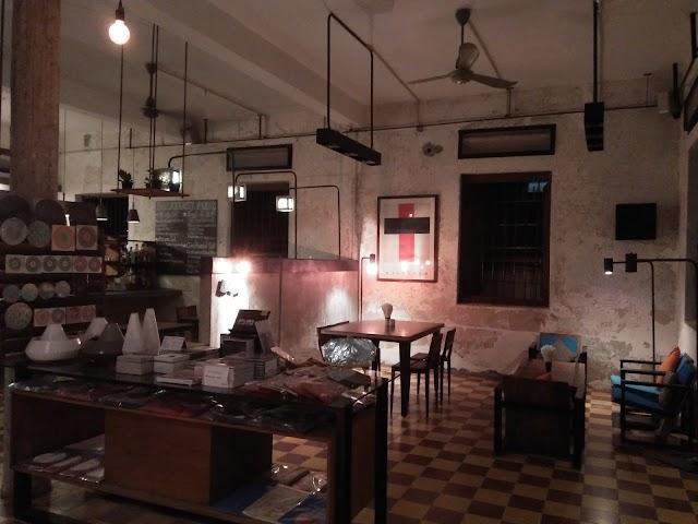 Pages Rooms & Café