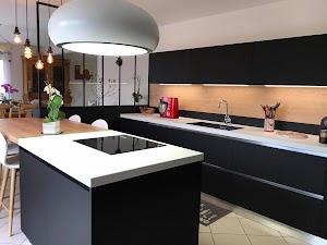 Kitchen&pose