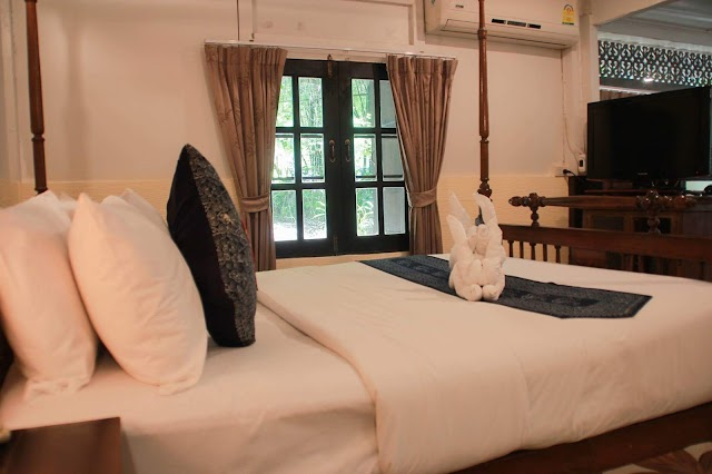 Club One Seven Guesthouse & Gym Chiang Mai