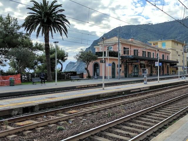 monterosso railway station
