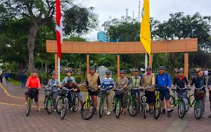 SPECIALIZED KENNEDY - GREEN BIKE premium lima bike tours and rentals 9