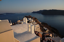 Oria Gallery, Oia, Greece