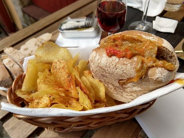 Cerca Velha - Food & Drinks