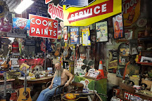 Sandhill Curiousity Shop, Erick, United States