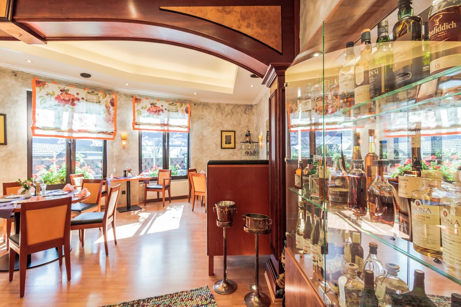hotel restaurant kasserolle siegburg deutschland tripcarta. Black Bedroom Furniture Sets. Home Design Ideas
