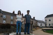 The Couple Statue, Newbiggin-by-the-Sea, United Kingdom
