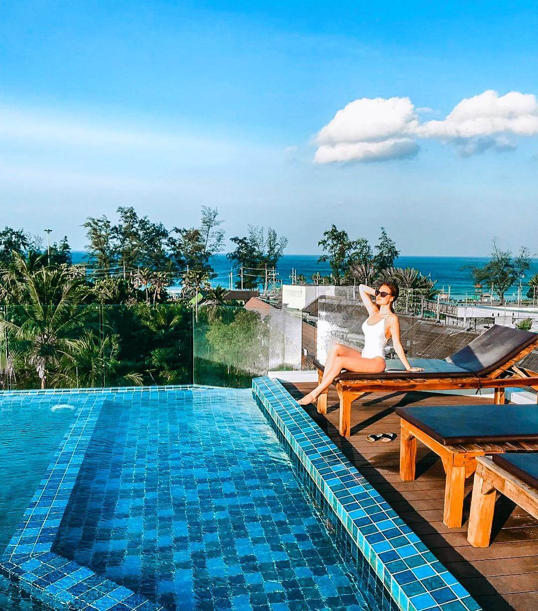Rooftop Swimming pool at Karon Beach Hotel