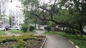 Памятник герою Комсомольцу В.Б.Баневуру, Пушкинская улица на фото Владивостока