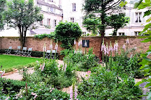 Jardin Catherine Laboure, Paris, France