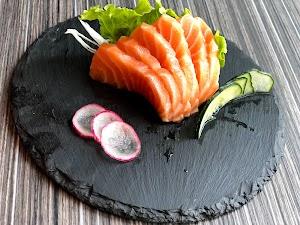 Sushi bar romance