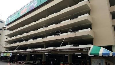 อาคารจอดรถโรงพยาบาลพิษณุเวช
