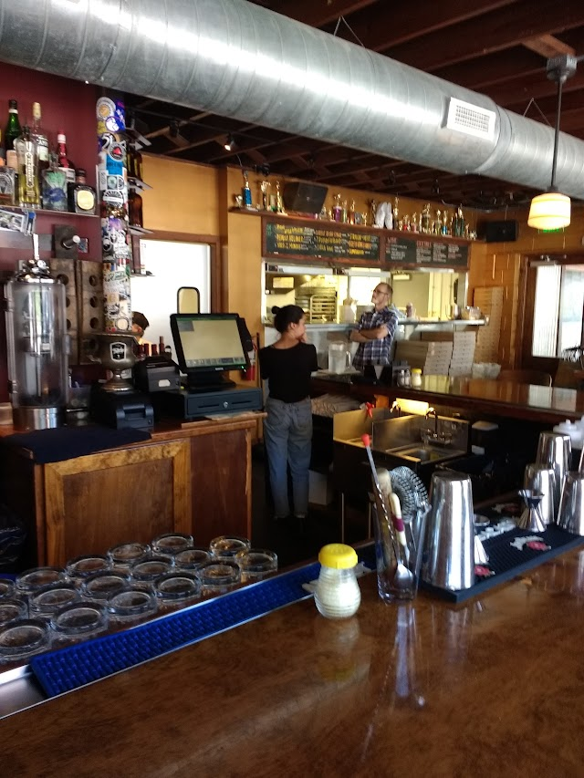Trophy Brewing and Pizza