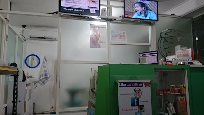 GiO dental care & clinic AMBARUKMO