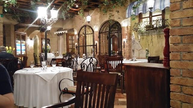 Mediterranean Restaurant Via Toscana