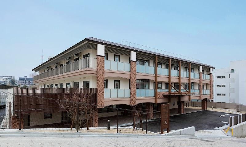 特別養護老人ホーム川名山荘