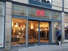 H&M york