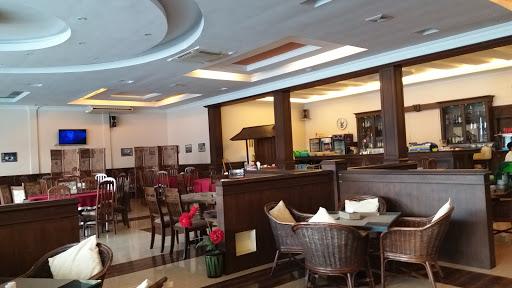 Royal Mandalay Cafe & Restaurant