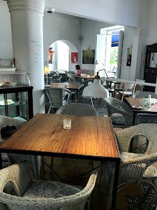 Cafe Parisien