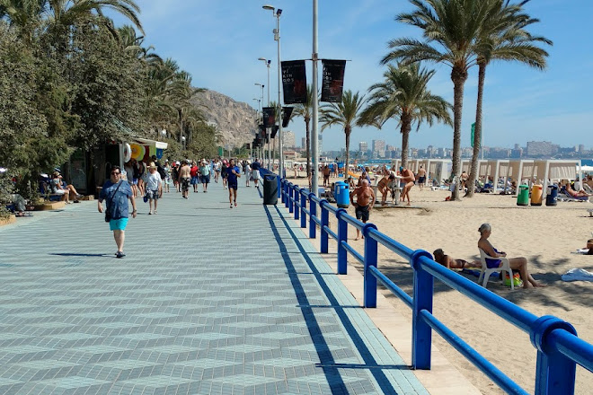 Paseo de Gomiz, Alicante, Spain