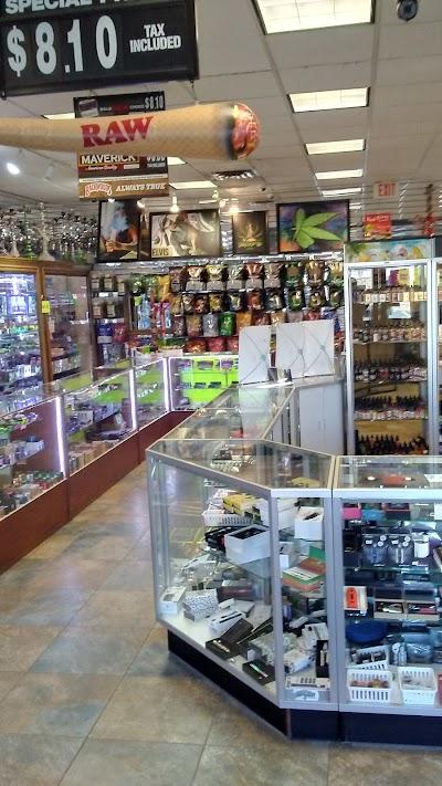 Headshops and smoke shops near me Anoka