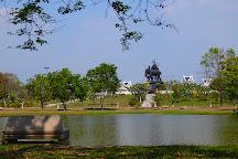 Queen Suriyothai Monument, Ayutthaya, Thailand