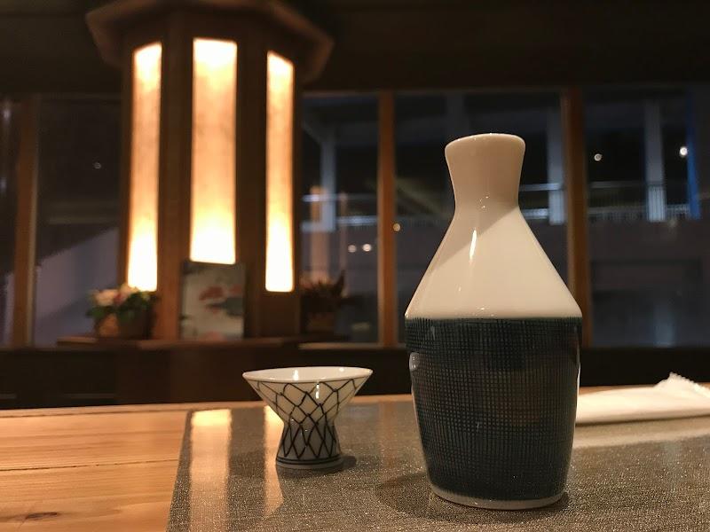 日本酒とワイン BAR (バール)