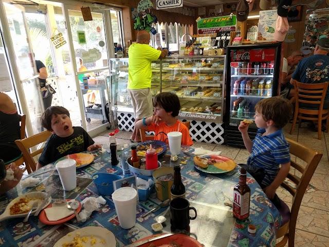 Bob's Bunz Islamorada Rest & Bakery