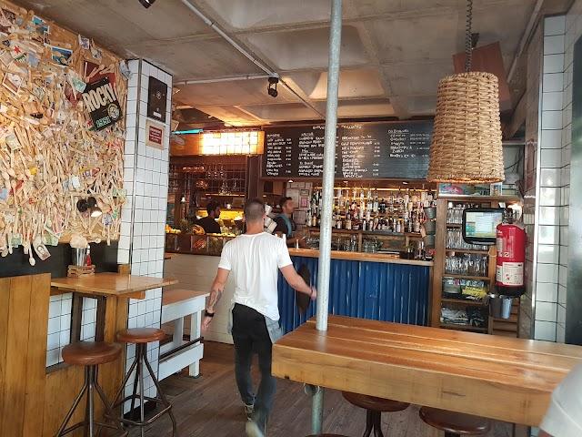 Cafe Genis