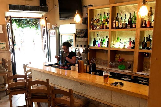 Santa Lucia bar, Tavira, Portugal