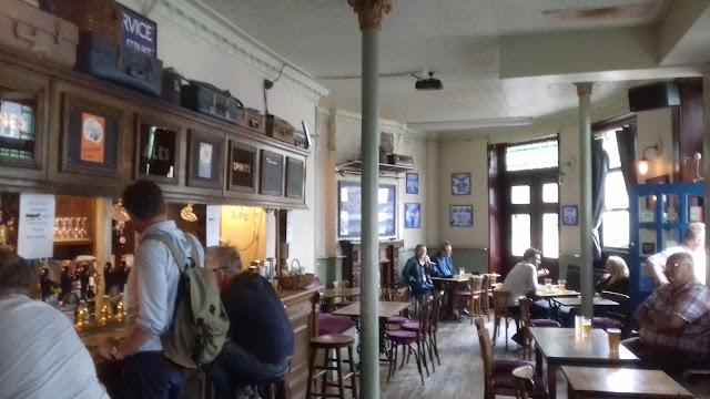 The Railway Tavern Ale House