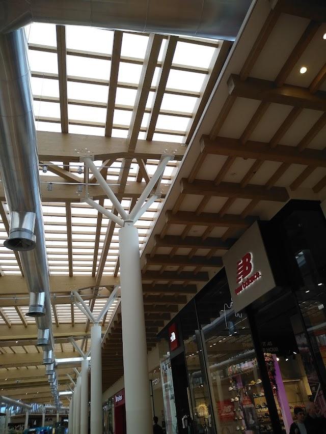 Arese MI Mall