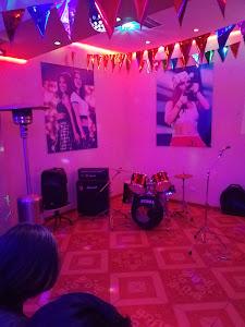 Macarena lounge bar 5