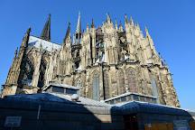 Petrus-Brunnen, Cologne, Germany