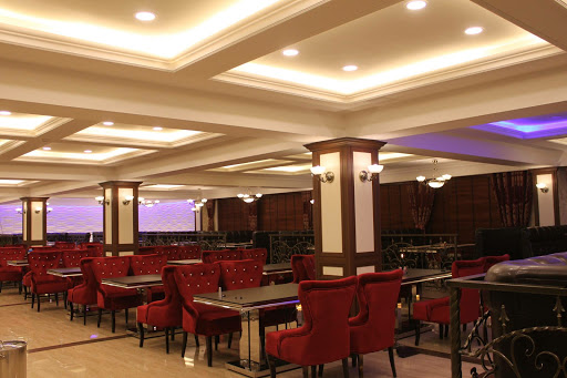 Apollo Restaurant & Lounge