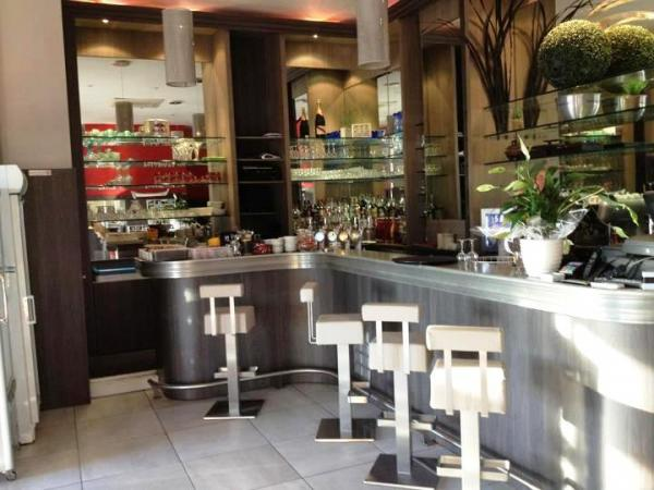 La Maronaise Café