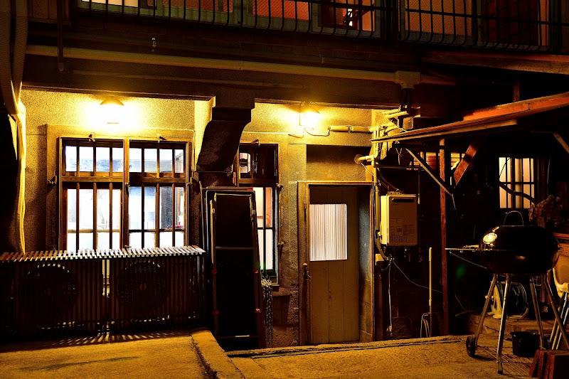 大阪 タトゥースタジオ【UROJIYA】tattoo shop