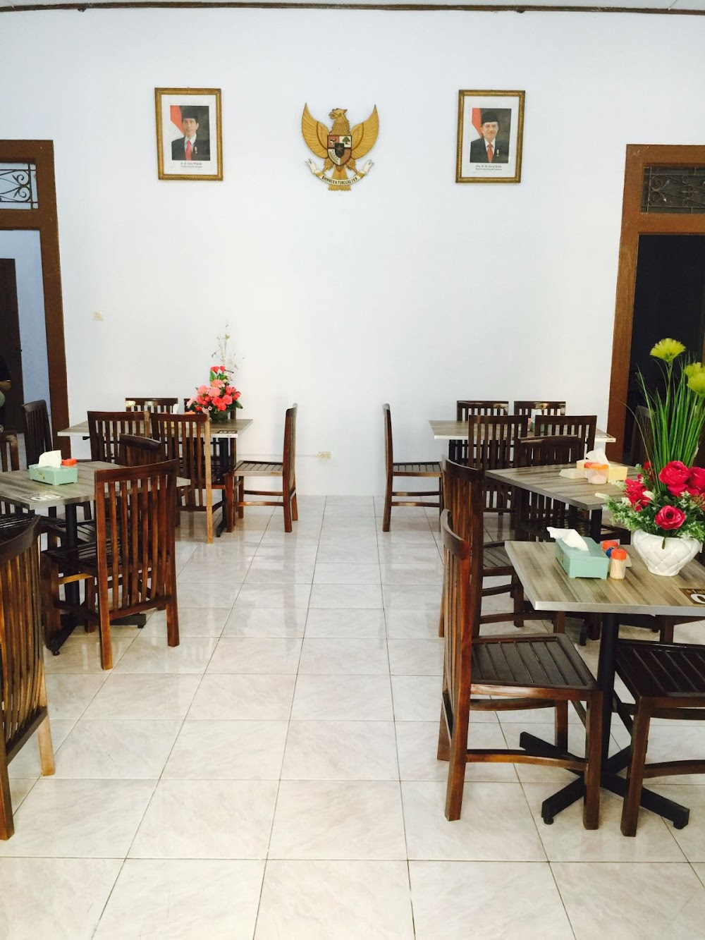 Warkop Lakopi 62 411 3690763 Jl Lombok No 17 Pattunuang Wajo Kota Makassar Sulawesi Selatan 90173 Indonesia