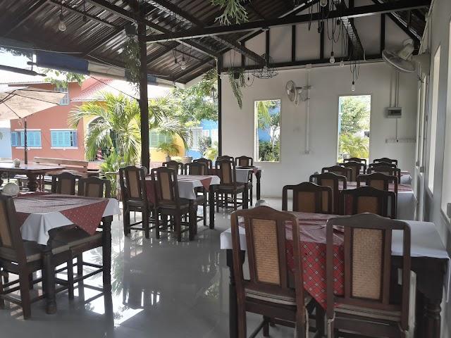 Restaurant Somtam Inter L'Noir Pattaya Sam Poi