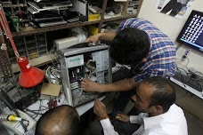 Computer Repairing & Windows Installation Services Lahore