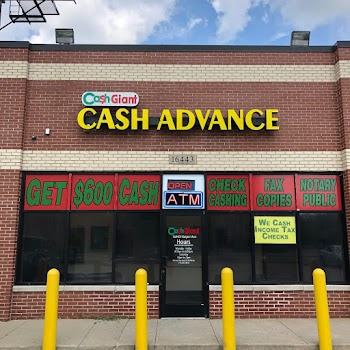 Cash Giant Payday Advance Payday Loans Picture