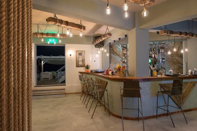 Karnagio Beach Cafe Bar