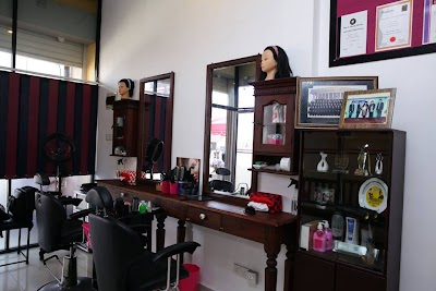 Shaggy Zeny The Zone Of Music Beauty Permanently Closed Southern 94 71 829 3144